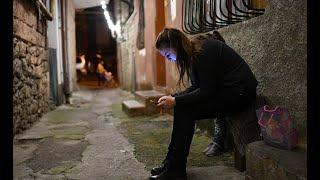 Когда шестиклассники могут смотреть на своих смартфонах порно с изнасилованием, школа становится опа